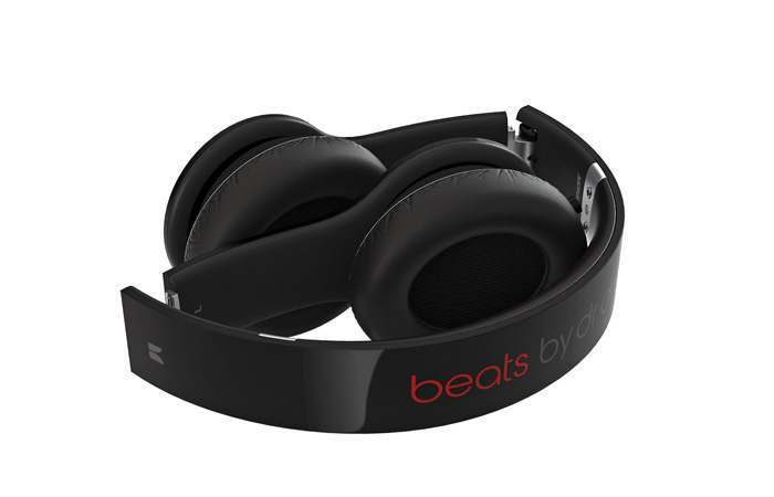 New Beats by Dr.Dre Solo HD Headphones with buil-in mic