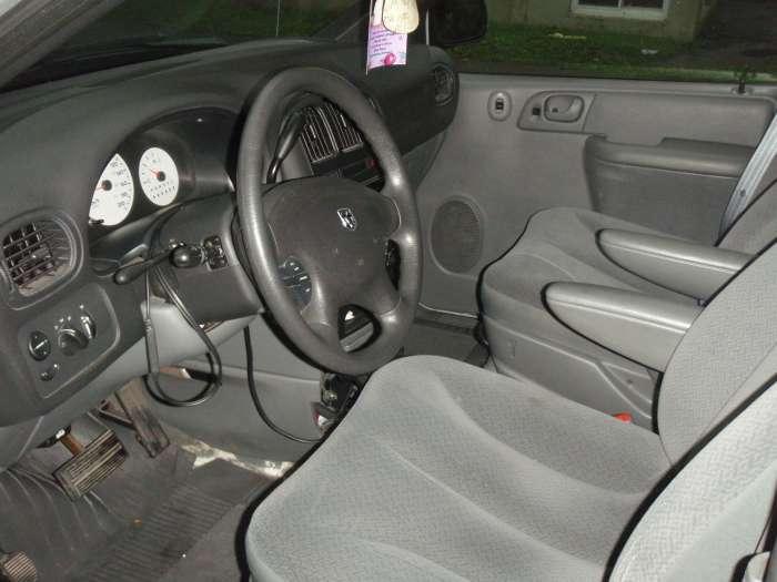 2005 dodge caravan minivan $5000 $
